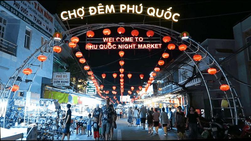 Khung cảnh chợ đêm tấp nập