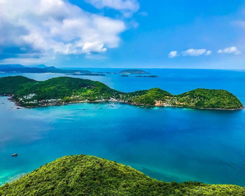 Phú Quốc là huyện đảo rộng lớn với không gian thiên nhiên hoang sơ