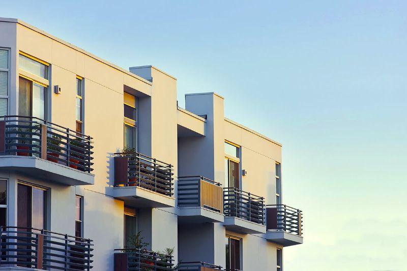 Ban công với nhiều sinh khí cũng là một hướng tốt cho căn hộ